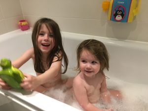 EldestGirl and YoungestGirl in the bath